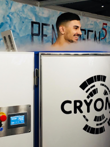What is the difference between cryosauna and cryo chamber?