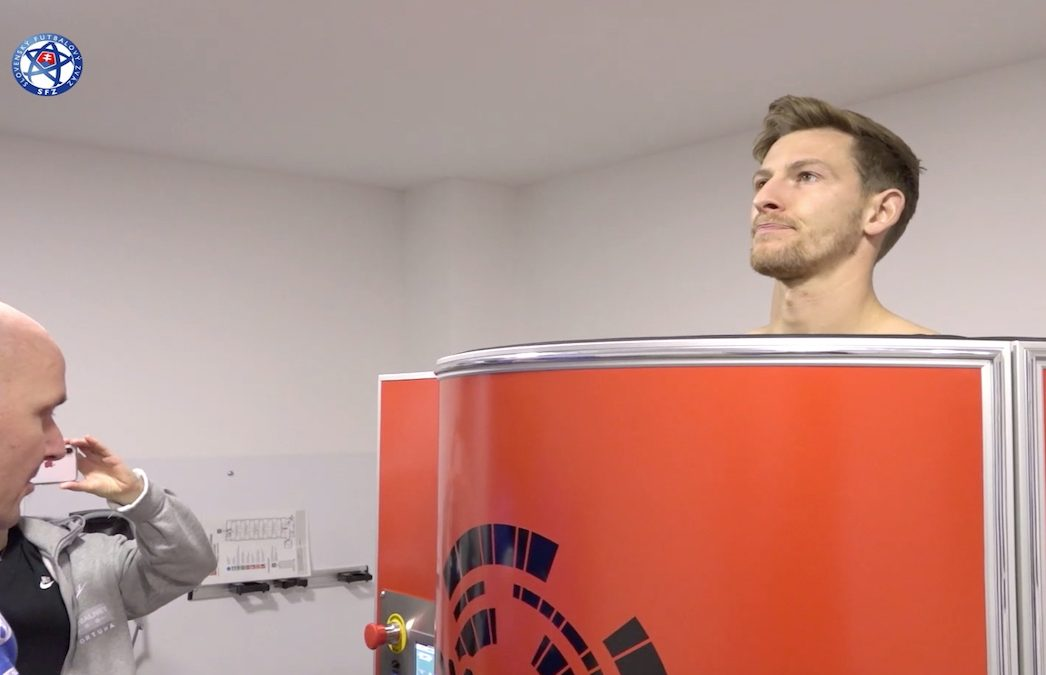 Slovak football players in Cryomed cryosauna feel relaxed