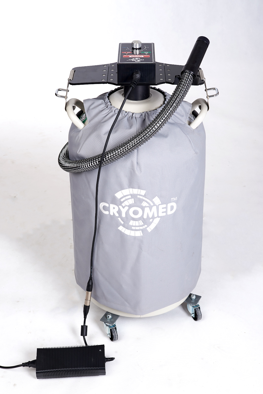 Cryofan CF-04+ is a local cryo machine for medical and health facilities
